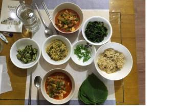 Saying 'Hello' to Korean Food, Saying 'Goodbye' to Korea (for the Night)