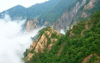 Seoraksan National Park Hiking: Best Trails & Attractions