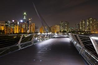 Yeouido Saetgang Bridge at night, Seoul